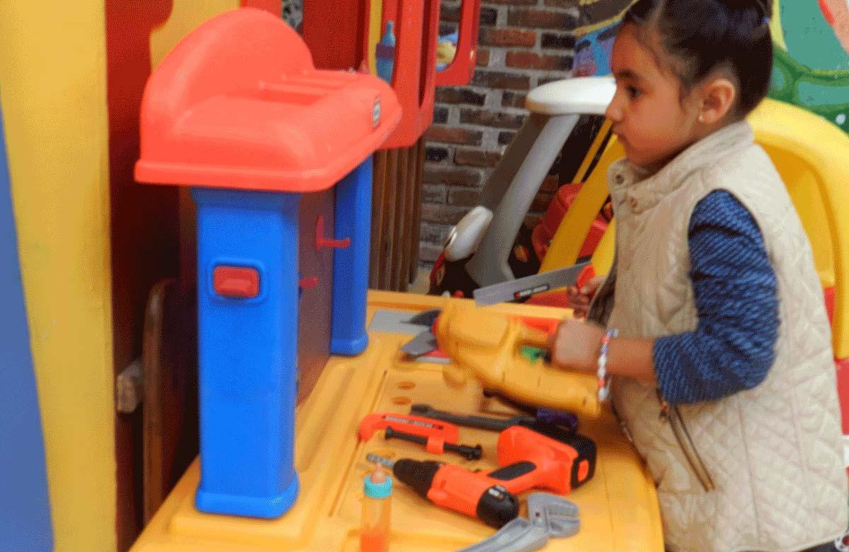 Taller de carpintería dentro de la casita de la Isla, viene junto con la casita de muñecas