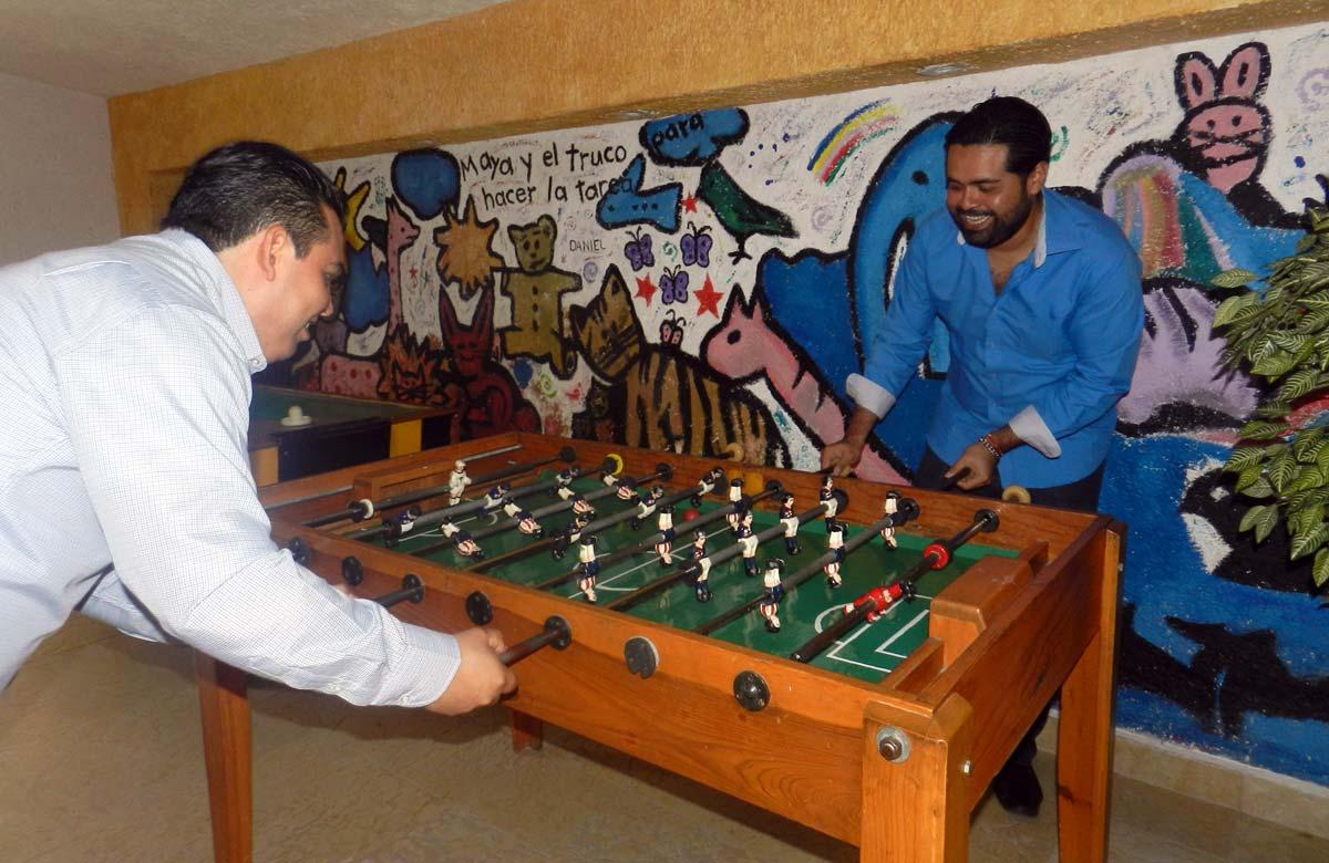 Sala de papás con futbolito