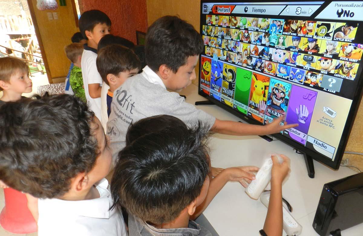 Sala de computadoras y videojuegos